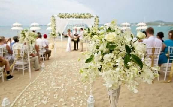Spara pengar på ert bröllop med säsongsblommor