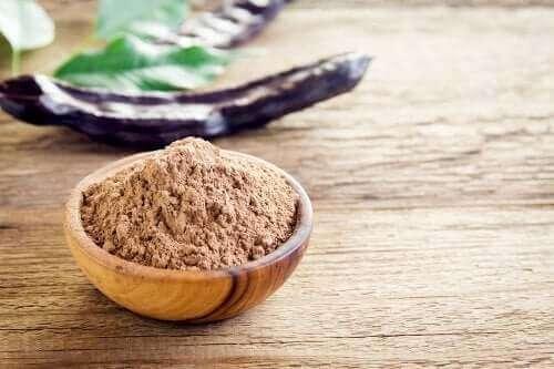 Sex egenskaper och fördelar med carobmjöl