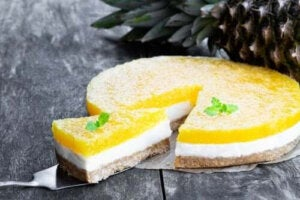 Två recept på piña colada-cheesecake