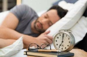 Förbättra din sömnkvalitet med hälsosamma sovrutiner