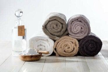 Därför bör du använda bikarbonat för fräscha handdukar
