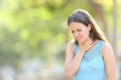 Slem i halsen - orsaker och behandling