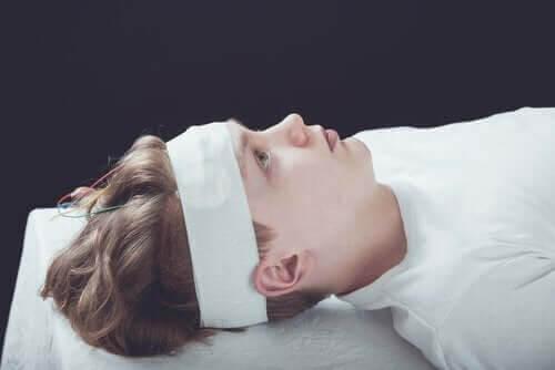 Diagnos, behandling och symptom på hjärnskakning