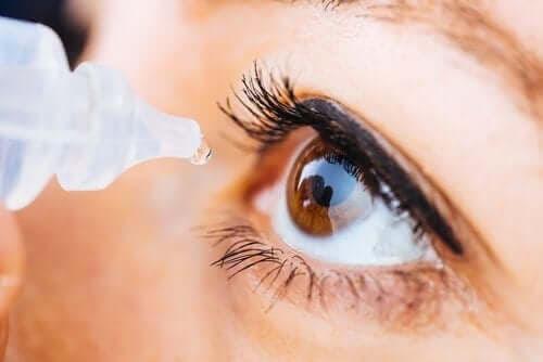 En närmare titt på ögondroppar med oxymetazolin