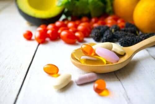 Vilka är de vattenlösliga vitaminerna?