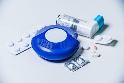 behandling med aerosolterapi kan ske med astmamedicin
