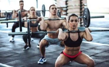 Fördelarna och riskerna med CrossFit