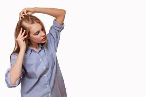 Minoxidil: kvinna med håravfall