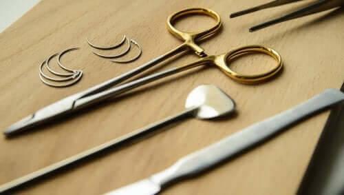verktyg för behandling av tungiasis