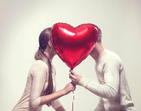 6 saker lyckliga par gör varje vecka