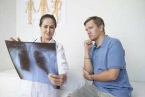 Symtom på lungsäcksinflammation