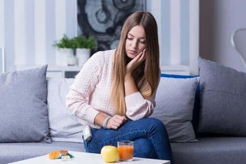 Vilka är symptomen för hypoglykemi?