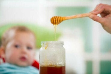 Honung och spädbarn: en farlig kombination