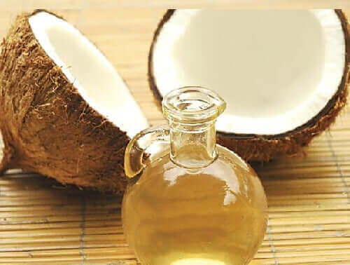 Lera och kokosolja ger liv åt ditt hår