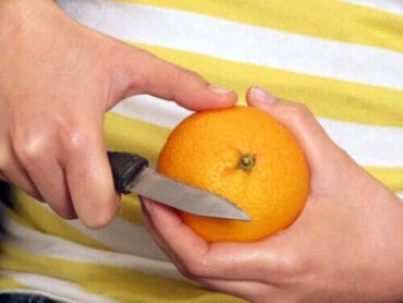 Ska du äta frukt med skal eller utan?