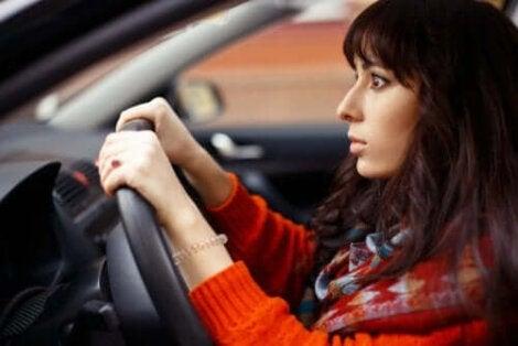 kvinna har tagit mediciner som påverkar bilkörning