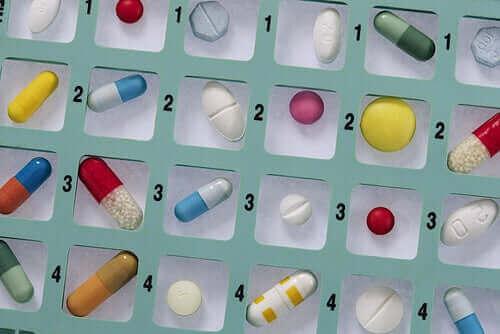 Varför du inte ska självmedicinera antibiotika