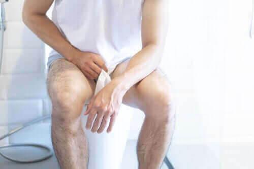Allt om symptomen på blåskatarr hos män