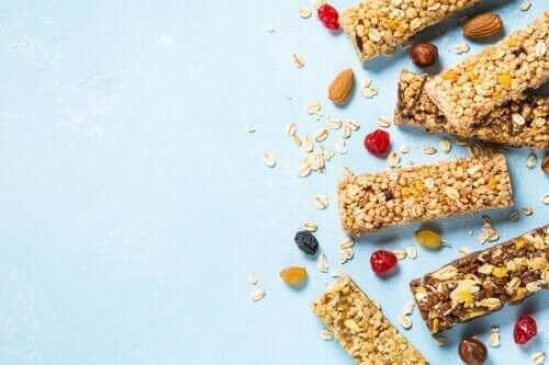 Hur man gör glutenfria granola-barer