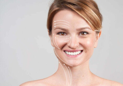 kvinna med linjer i ansiktet