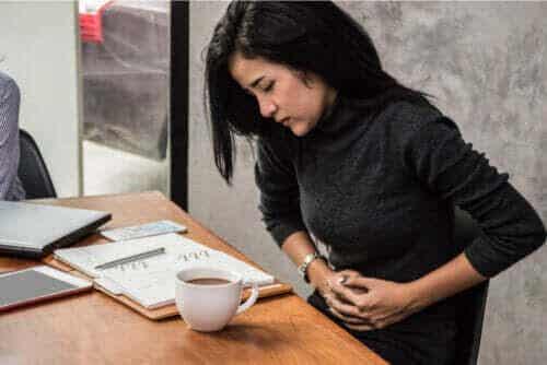 Vilka är symptomen på gastroenterit?