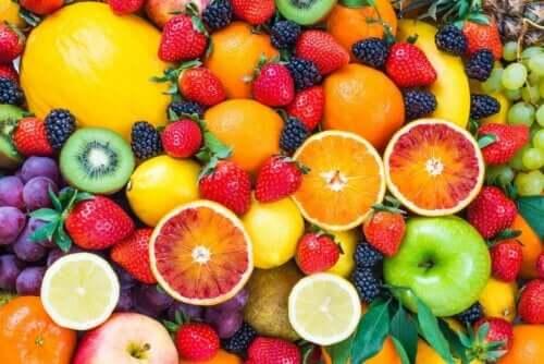 Frukt är lika sött som godis, men nyttigare.