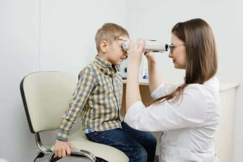 Ögonsjukdomen retinoblastom: symtom, orsaker och behandling