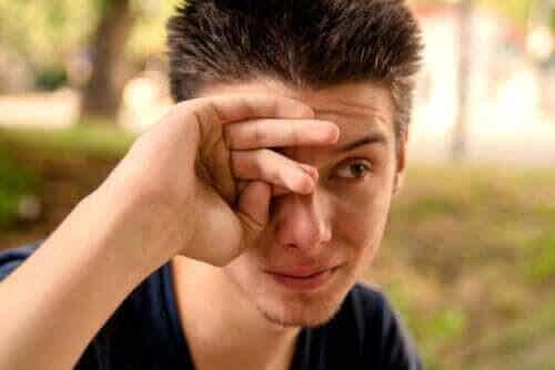 Vad är orsakerna till rinnande ögon?