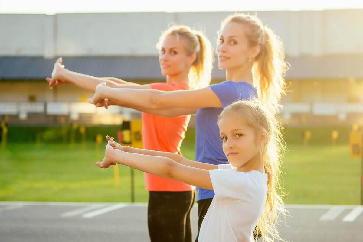Crossfit för barn: familj tränar