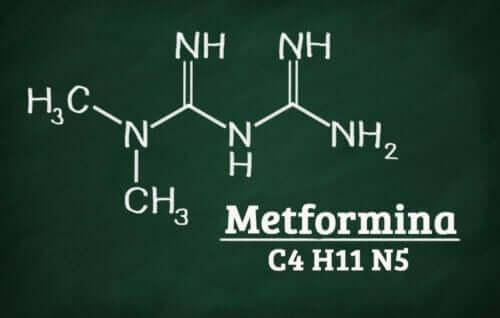 Qtrilmet - den kemiska formeln för metformin.