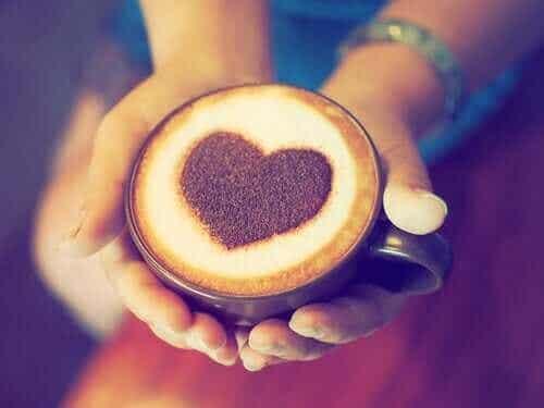 Finns det ett samband mellan kaffe och hjärtattack?