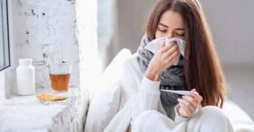 Hälsofördelar med fläderbär: En sjuk kvinna.