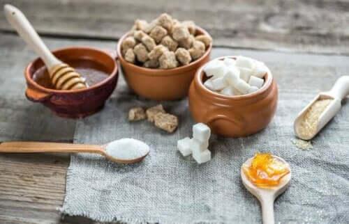 Mat som inte mättar: olika sorters socker.