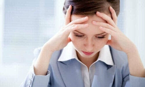 Överdriven oro för din hälsa: stressad kvinna