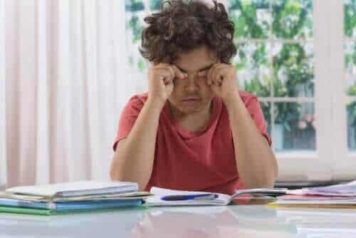 Mörka ringar under ögonen på barn: Är det en anledning till oro?