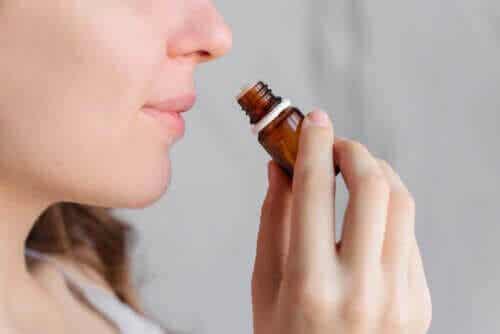 Kan aromaterapi lindra mensvärk?