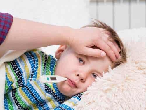 Kawasakis sjukdom: symptom, orsaker och behandling
