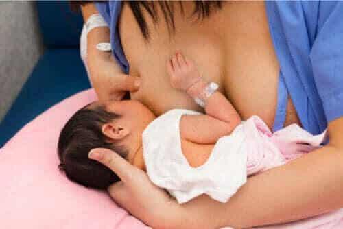 Hud mot hud: en viktig kontakt efter födseln
