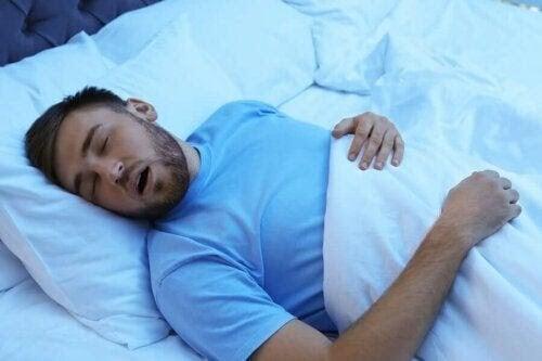 Det anabola fönstret: man som sover