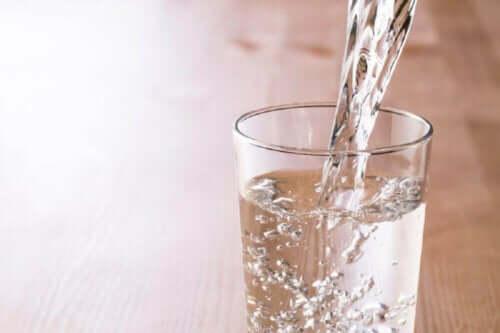 Vatten är viktigt för kroppen.