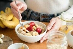 Hälsofördelarna med en högkolhydratfrukost
