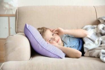 Migrän hos barn: symtom och behandling