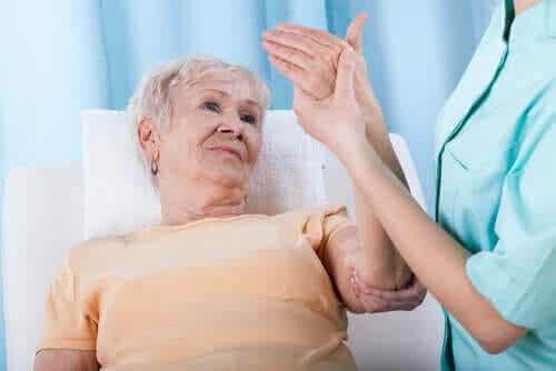 Vilka är riskfaktorerna för osteoporos?