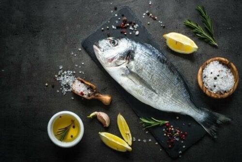 gravida kvinnor kan äta fisk till middag