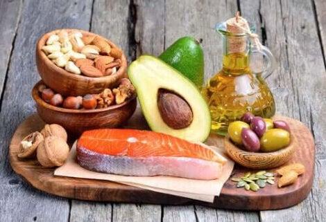 bli fett i kroppen: fet mat