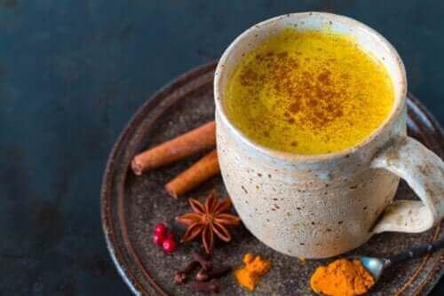 Fem fördelar med att dricka te på gurkmeja