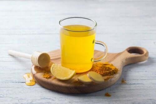 te på gurkmeja