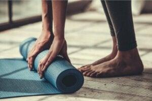 Fyra enkla pilatesövningar för nybörjare