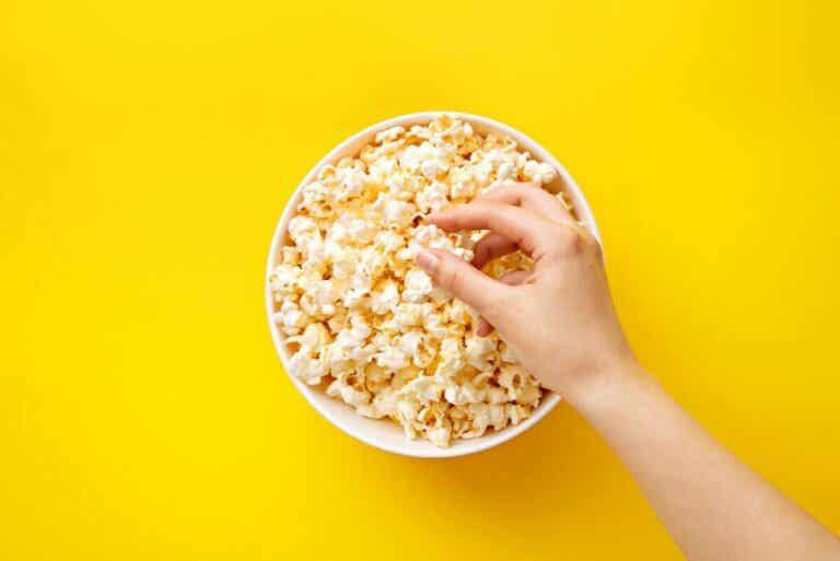 Sant eller falskt: Blir man fet av popcorn?