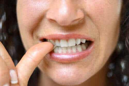 Infektioner i nagelbanden: egenskaper och behandling